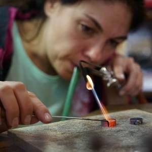 Kredum prsteny vyrábíme pečlivě a s láskou.