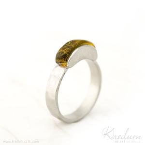 Kousek nerez a jantar - velikost 54, šířka  základního prstenu 4 mm - Sa 1056667