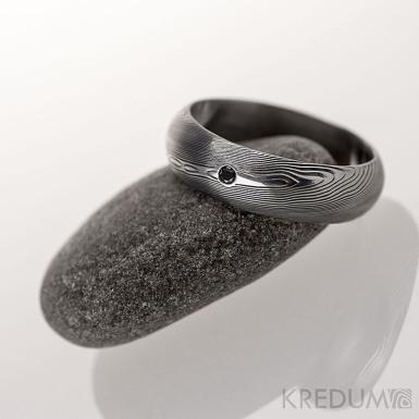 Prima a černý diamant 1,7 mm - dřevo - Snubní prsten kovaná nerezová ocel damasteel