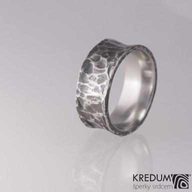Rafael tmavý - kovaný nerezový snubní prsten - S1848