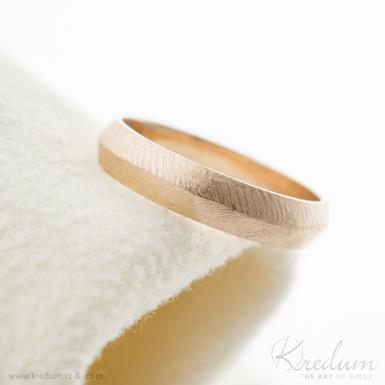 Klas gold red - zlatý snubní prsten - SK3933