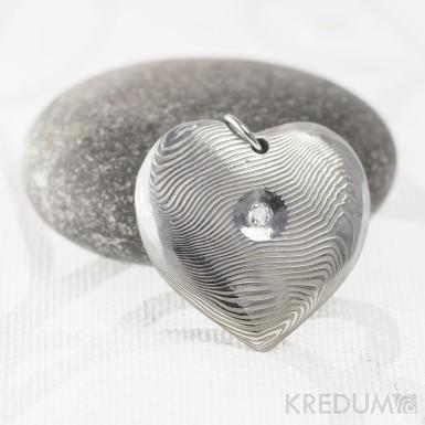 Kovaný přívěsek damasteel - Srdíčko a diamant 2,3 - čárky světlé