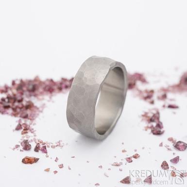 Natura titan - matný - kovaný snubní prsten - SK2685