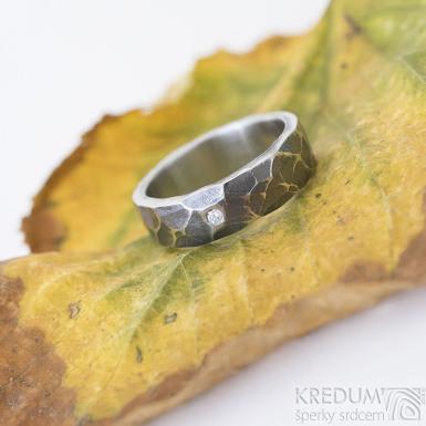 Natura a čirý diamant 1,7 mm - zatmavený - kovaný snubní prsten z nerezové oceli