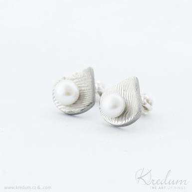Raníčky - kované damasteel naušnice a perly - SK4056