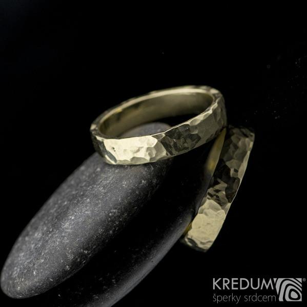Golden Draill yellow - Zlatý snubní prsten, velikost 55