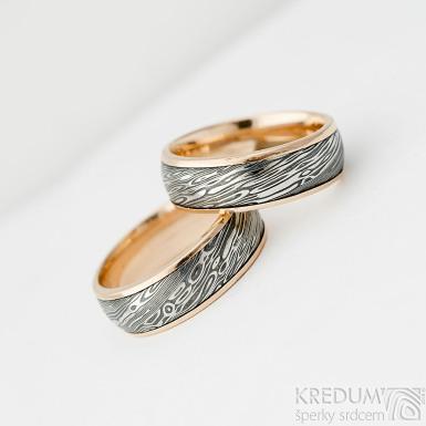 Kasiopea red - 57 a 56, šířka 6,5 mm, tloušťka 1,8 mm, voda extra TM, okraje 2x0,75 mm, Damasteel snubní prsteny a zlato