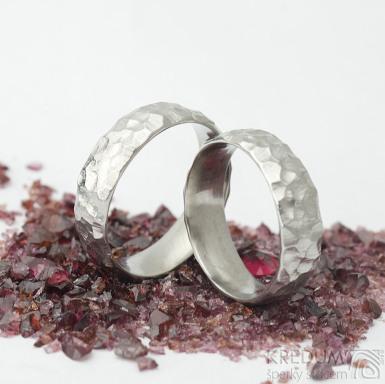 Marro - kovaný snubní prsten z nerezové oceli