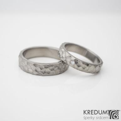 Klasik Marro titan a čirý diamant 1,7 mm - kovaný snubní / zásnubní prsten