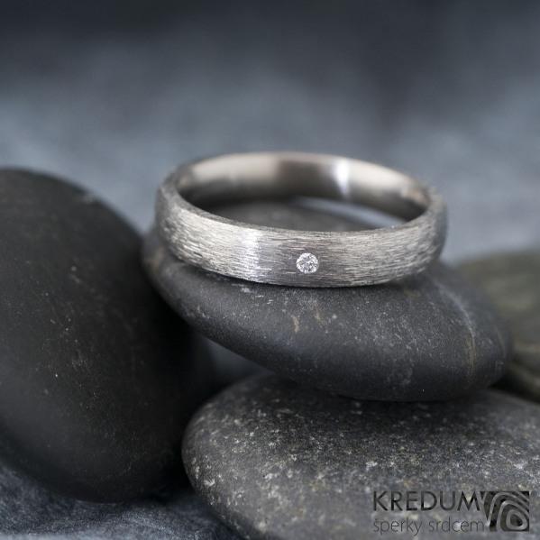 Klasik ttian hrubý mat a diamant 1,5 mm - velikost 56, šířka 3,5 mm, tloušťka STŘ, profil E