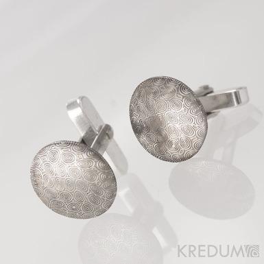 Mipapi - struktura kolečka - Kované manžetové knoflíčky damasteel - foto se stříbrným zapínáním