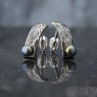 Moon Natura s černou perlou - kované damasteel náušnice