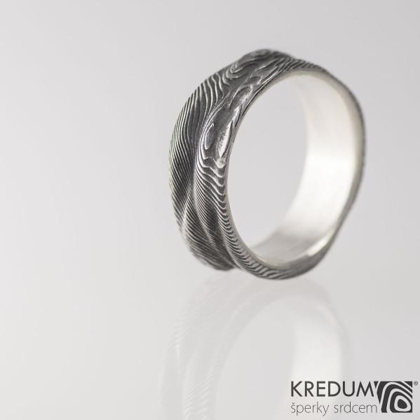Pán vod se stříbrným vnitřkem- Snubní prsten damasteel, S1454