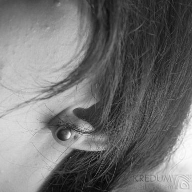 Kiki black 8,5 mm - Perlové náušničky