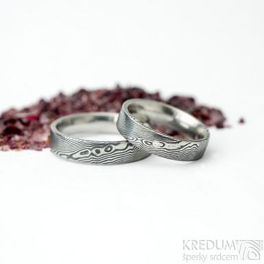 Prima a diamant 1,5 mm - 55 a Prima - 65, oba šířka 5 mm, tloušťka střední, dřevo - lept 75%TM, F - Damasteel prsteny - k 1754