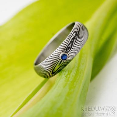 PRIMA a broušený safír ve stříbře - dřevo - Snubní prsten ocel damasteel, SK2736