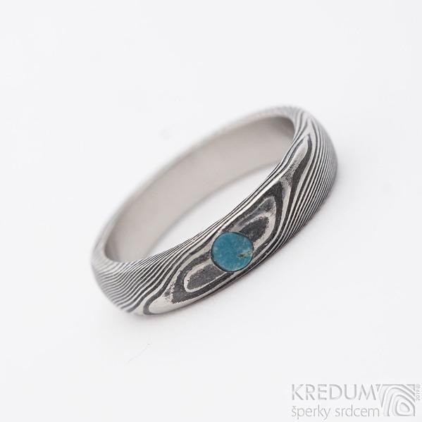 Snubní nebo zásnubní prsten Prima, struktura dřevo a tyrkys s přírodním povrchem, lept tmavý hrubý; profil B; velikost 51, šířka 4 mm