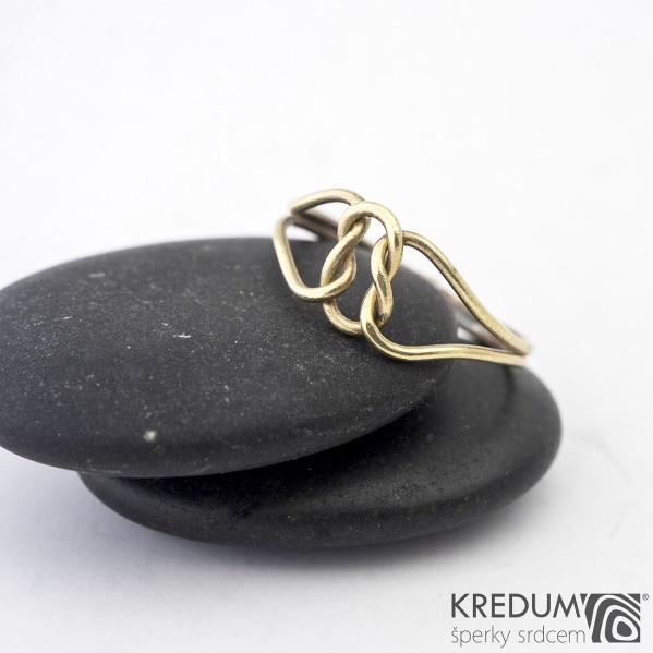 Reverse Yellow - Zlatý snubní prsten - barva prstenu na fotografii je upravovaná