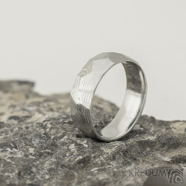 Rock damasteel - vzor dřevo - kovaný snubní prsten z nerezové oceli