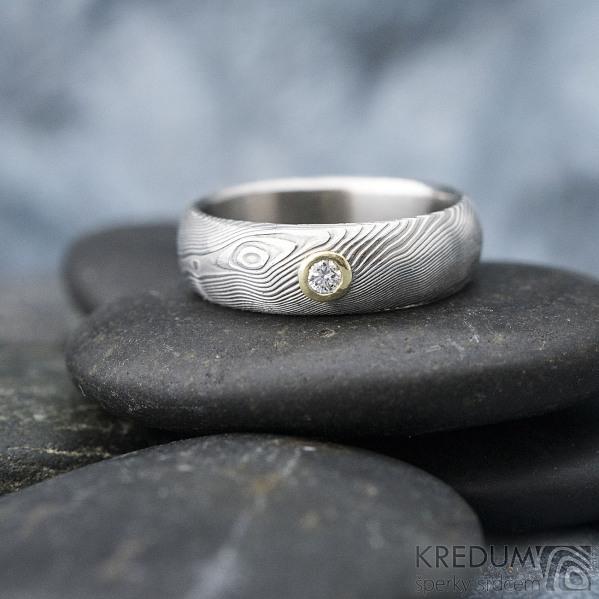 Siona a diamant 2,3 mm do žlutého Au - 46, šířka 5, tloušťka 1,6 - 2,2 , TW - 50%SV - Damasteel snubní prsteny - sk1656 (5)