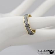 Kasiopea yellow - Zlatý snubní prsten a damasteel dřevo, vel. 63
